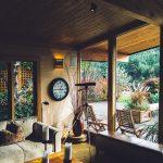 広々テラスで自然を感じる暮らし。心癒されるシェアハウス5選