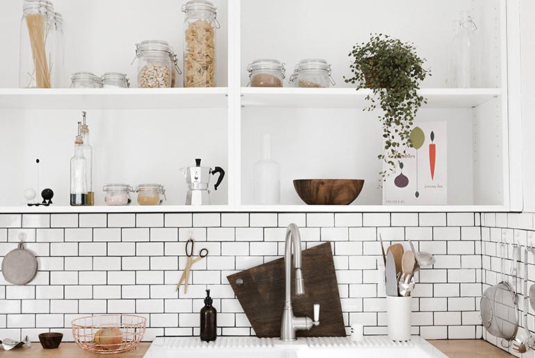 「料理好き集まれ!充実したキッチンが自慢のシェアハウス4選」のアイキャッチ画像