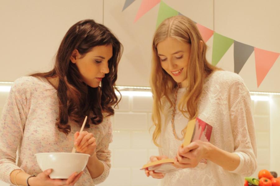 「国際交流型シェアハウスの料理・キッチンシーンで役立つ英語フレーズ集」のアイキャッチ画像