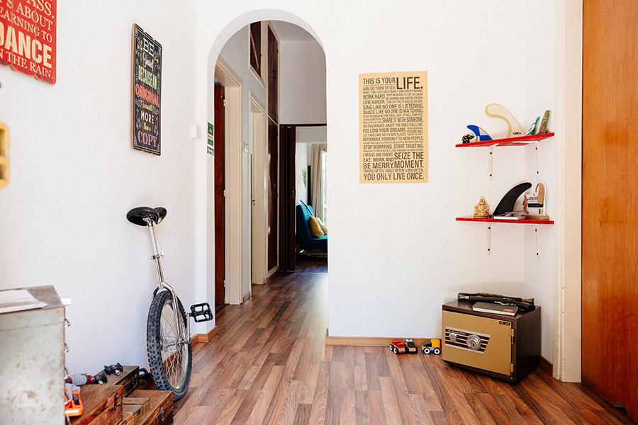 「経験者は語る!ゲストハウス生活でありがちなトラブル3選と対策方法」のアイキャッチ画像