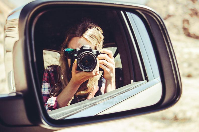 「ハロートークでの写真の設定や投稿はするべき?そのメリットや注意点を解説」のアイキャッチ画像