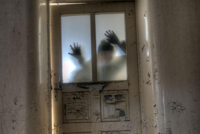 「アマプラでホラー見るならこの映画!怖いが止まらないホラー映画10選」のアイキャッチ画像