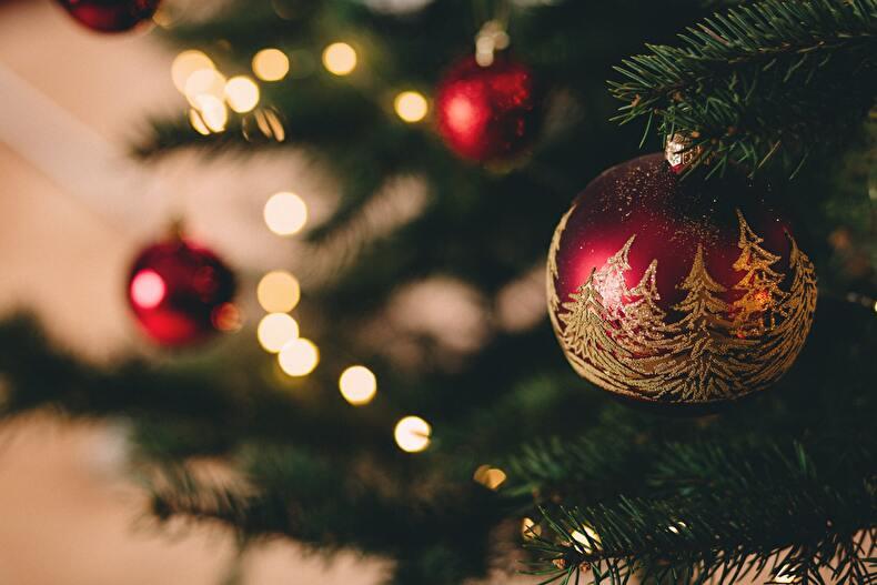 「【2020年最新版】netflixで今年のクリスマスをもっと楽しく!クリスマスに見たいおすすめ映画10選」のアイキャッチ画像